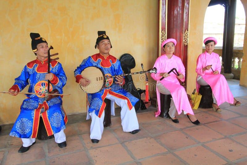 Événement traditionnel de représentation de musique du Vietnam images libres de droits