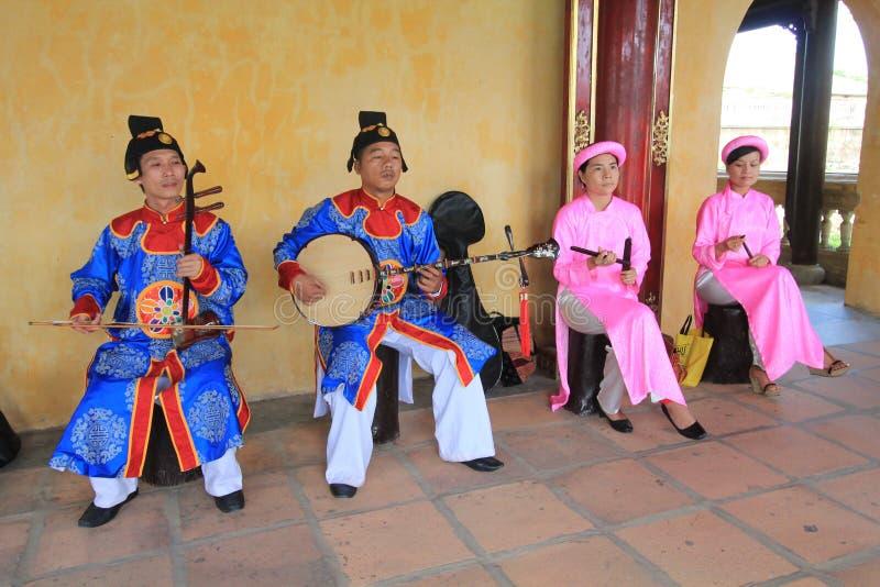 Événement traditionnel de représentation de musique du Vietnam en Hue image stock