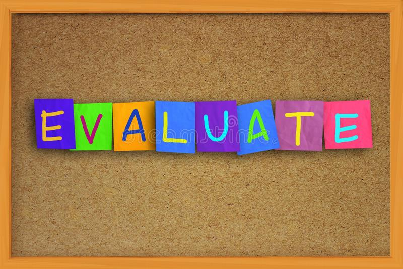 Évaluation, audit d'affaires surveillant des citations de motivation de mots photo libre de droits