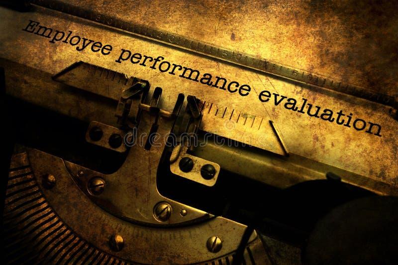 Évaluation des performances des employés sur la machine à écrire image libre de droits