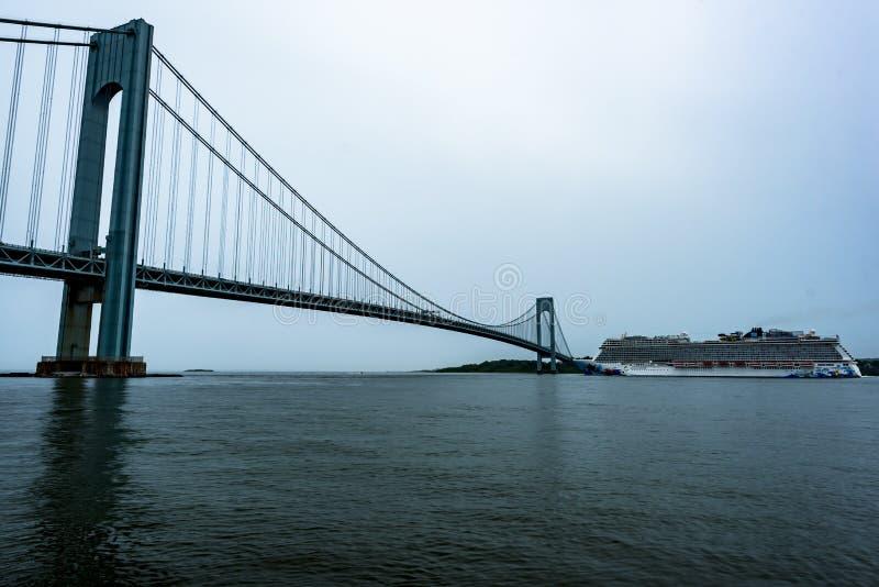 Évasion norvégienne quittant New York City images stock
