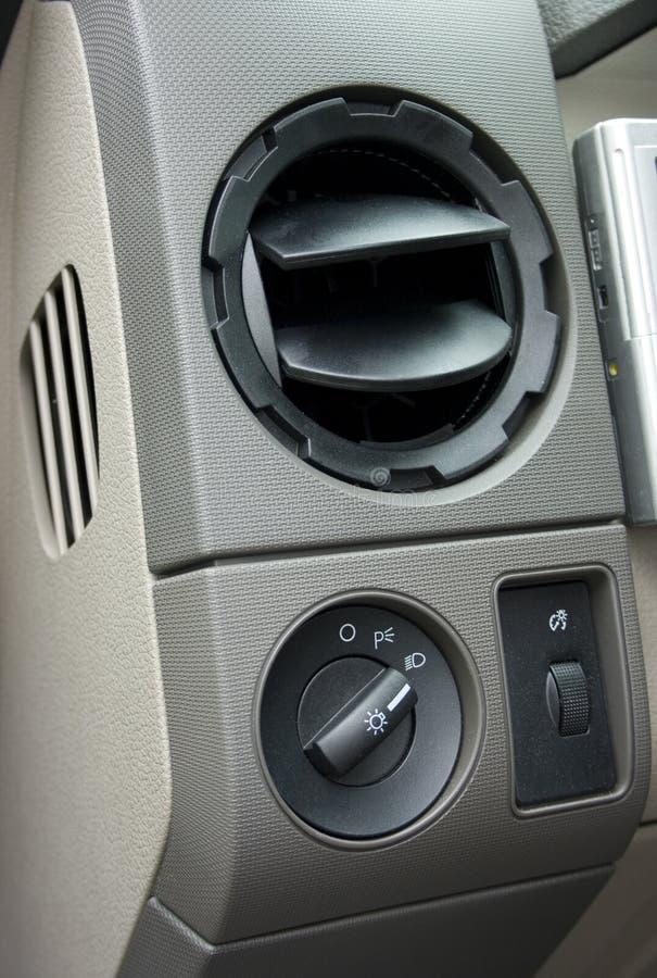 Évent et commutateur de climatisation image stock