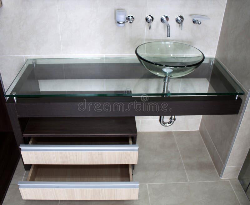 Évier ultra moderne de cuvette de salle de bains images libres de droits