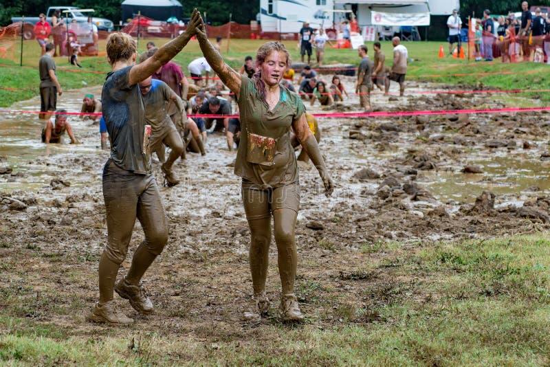 """éxito del 21o †anual de Marine Mud Run """" imagenes de archivo"""