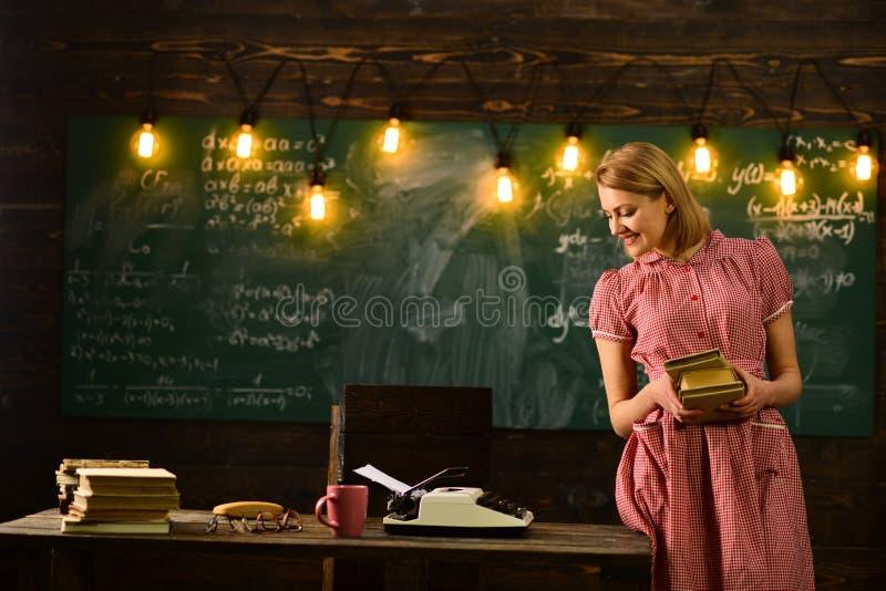 Éxito y oportunidad futuros Futuro con su conocimiento Garantía de la educación escolar usted futuro acertado futuro foto de archivo libre de regalías