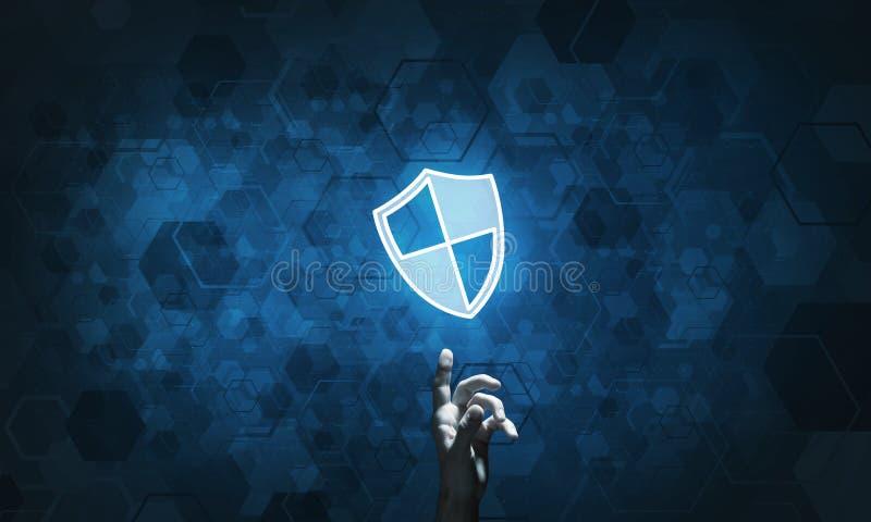 Ícone azul do protetor como o símbolo da proteção do acesso no fundo escuro imagem de stock