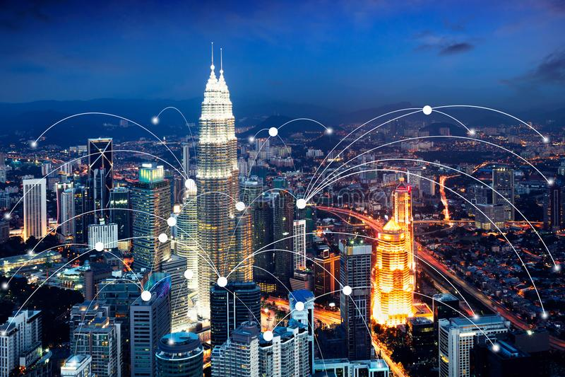 Ícone de Wifi e conceito da conexão de rede do scape da cidade, cidade esperta fotografia de stock