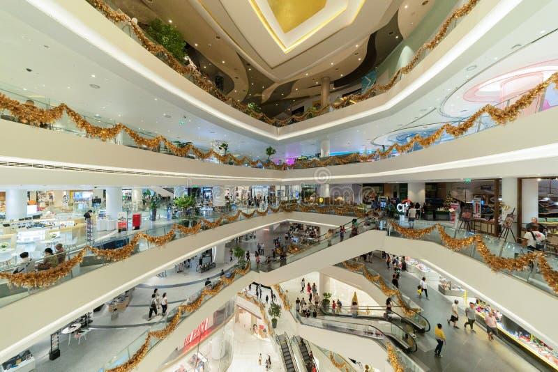Ícone Sião, shopping da plaza na construção moderna na estrutura da arquitetura conceptual, decoração do design de interiores den imagem de stock royalty free