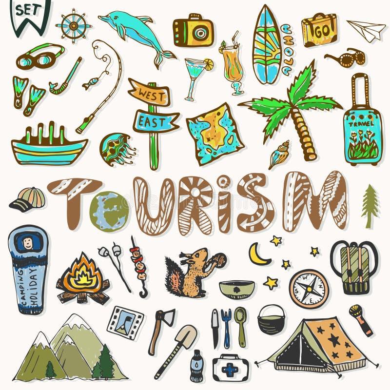 Ícones do curso da tração da mão ajustados Férias de verão - acampamento e férias do mar Elementos do esboço da garatuja da viage ilustração stock