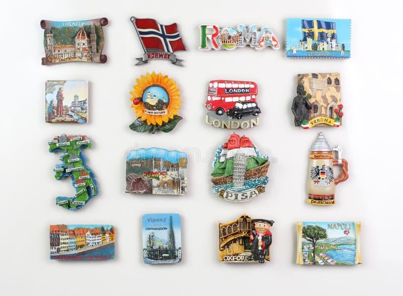 Ímãs da lembrança das cidades de Europa imagem de stock