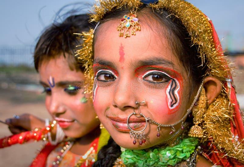 Índia, Jammu, 18 06 2011 crianças descrevem Krishna e Radha em Ja fotos de stock