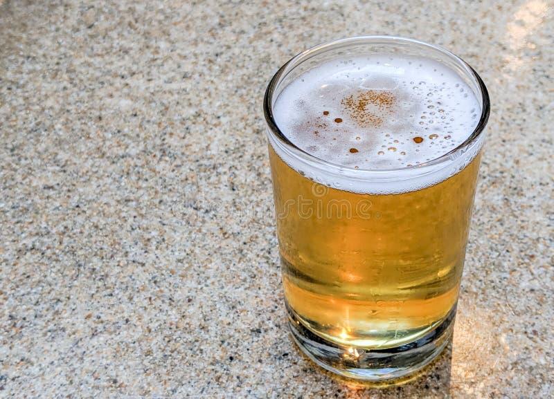 Índia Pale Ale Craft Beer Tasting Sample imagens de stock