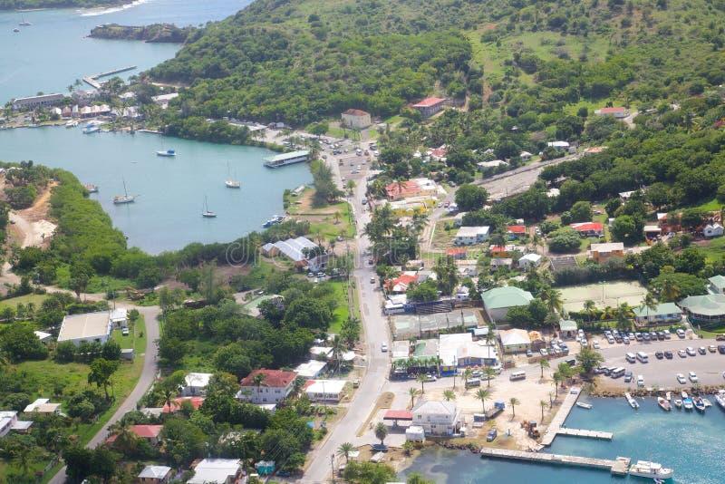 Índias Ocidentais, as Caraíbas, Antígua, vista do porto inglês & do estaleiro de Nelson fotografia de stock