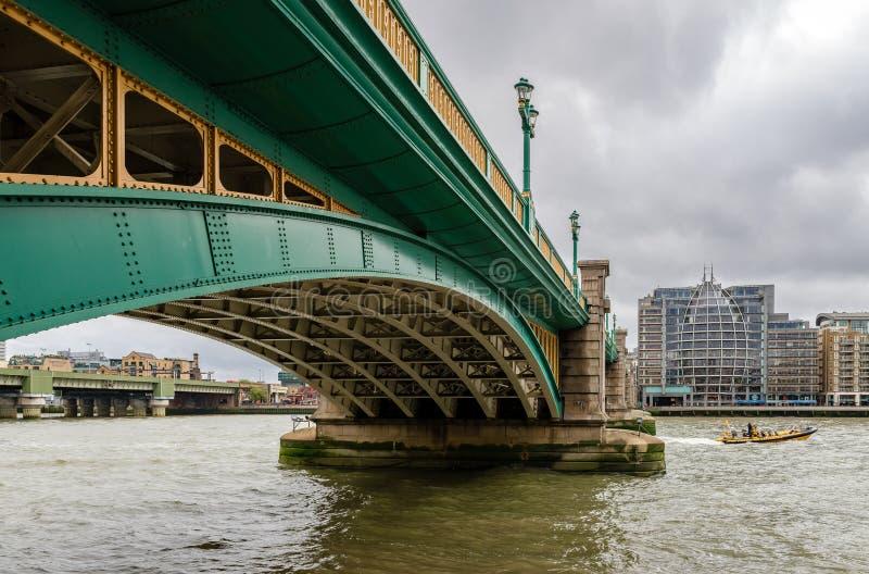 Τhe Southwark桥梁在伦敦 图库摄影