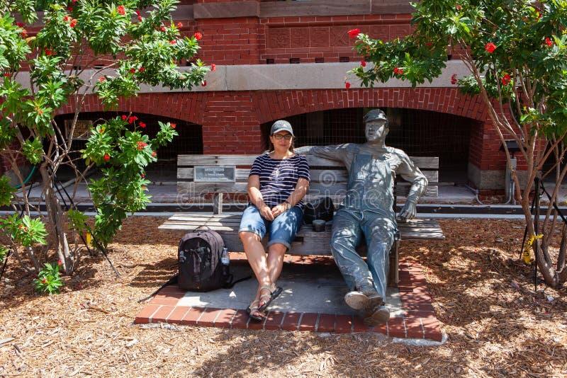 Άγαλμα μπροστά από το μουσείο τελωνείων της Key West στοκ φωτογραφία