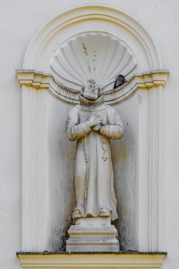 Άγαλμα στη θέση τοίχων στοκ φωτογραφία με δικαίωμα ελεύθερης χρήσης
