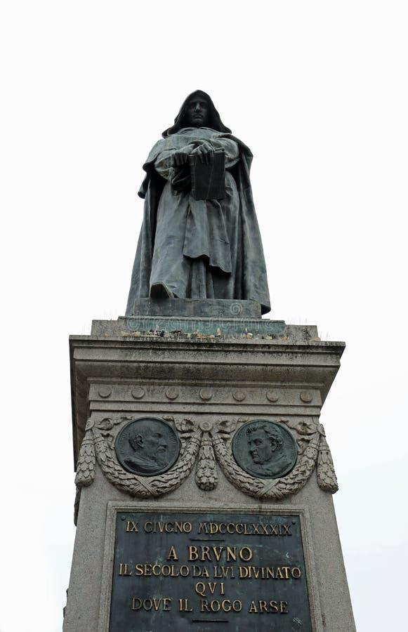 Άγαλμα του Giordano Bruno ιταλικός δομινικανός friar στο τετραγωνικό ασβέστιο στοκ φωτογραφία με δικαίωμα ελεύθερης χρήσης