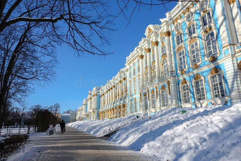 Άγιος Πετρούπολη, Ρωσία οι απόψεις του παλατιού της Catherine το χειμώνα στοκ φωτογραφία
