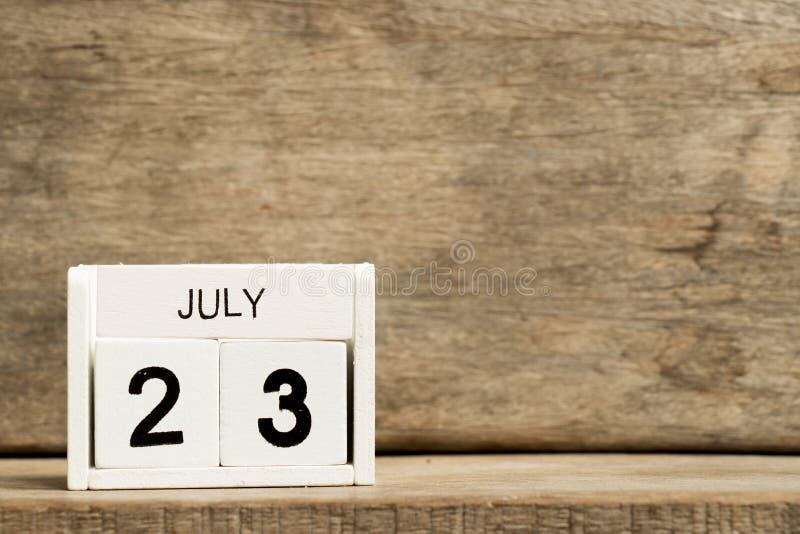 Άσπρη ημερολογιακή παρούσα ημερομηνία 23 φραγμών και μήνας Ιούλιος στοκ φωτογραφίες με δικαίωμα ελεύθερης χρήσης