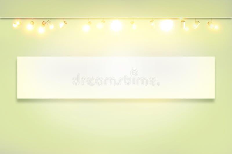Άσπρος τοίχος με φωτισμένο το σημείο λαμπτήρα στοκ εικόνες με δικαίωμα ελεύθερης χρήσης
