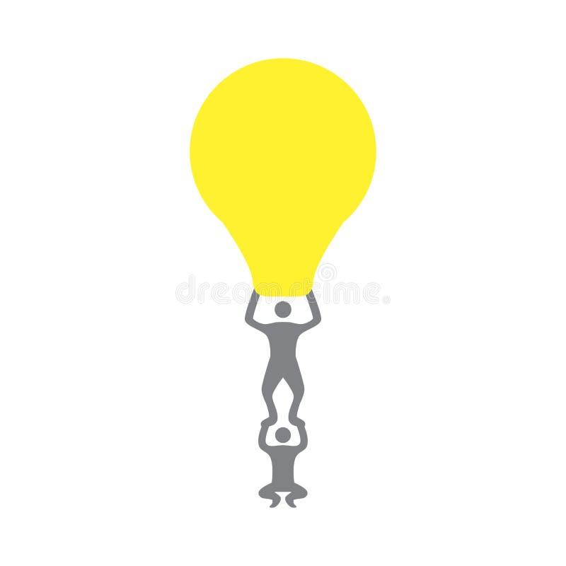Άτομα που ανυψώνουν ένα lightbulb Έννοια ομαδικής εργασίας ελεύθερη απεικόνιση δικαιώματος