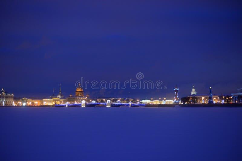 Άποψη του κέντρου της Αγία Πετρούπολης τη νύχτα στοκ εικόνες με δικαίωμα ελεύθερης χρήσης