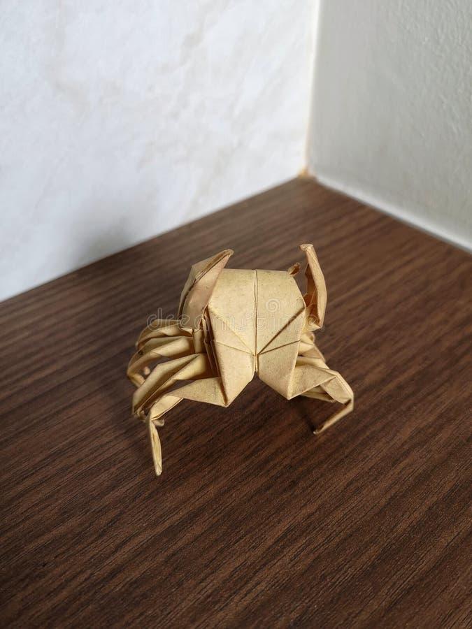 Έγγραφο Origami που διπλώνει την τέχνη, καβούρι στοκ εικόνα