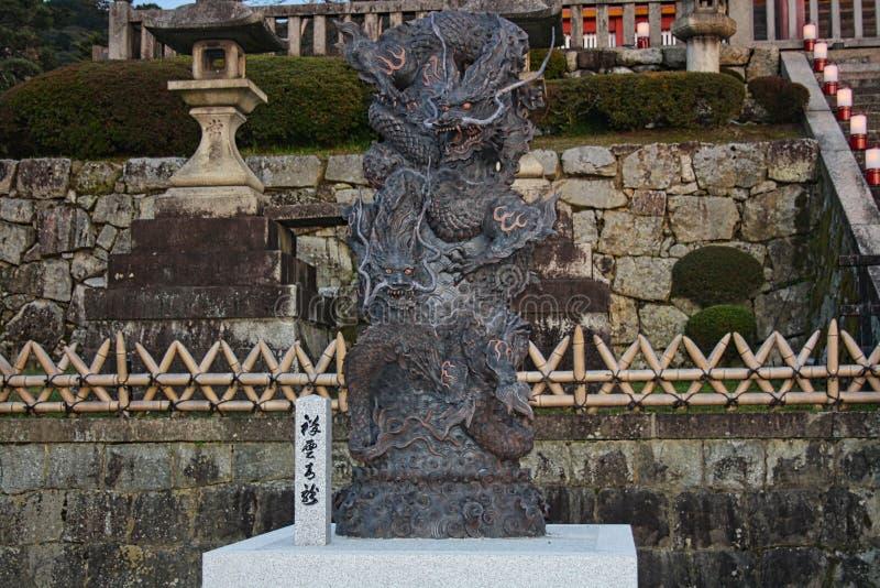 ένας ιαπωνικός δράκος φιαγμένος από χάλυβα ελεύθερη απεικόνιση δικαιώματος