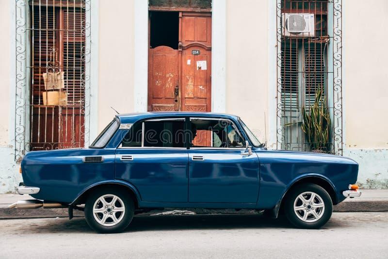 Ένα όμορφο κλασικό Lada στο Τρινιδάδ, Κούβα στοκ εικόνα με δικαίωμα ελεύθερης χρήσης