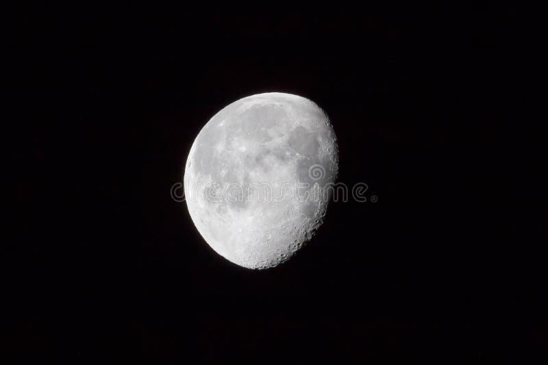 Έξοχο περίγειο φεγγαριών Τριών τετάρτων φεγγάρι στοκ εικόνα με δικαίωμα ελεύθερης χρήσης