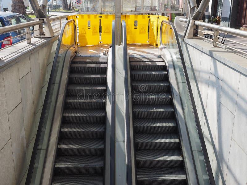 Έξω - - κυλιόμενη σκάλα υπηρεσιών στοκ φωτογραφίες