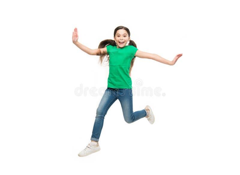 Αίσθημα ενεργός και ενεργητικός Μοντέρνο παιδί κοριτσιών Μικρό κορίτσι με τη μακριά τρίχα brunette Μικρή χαριτωμένη φθορά παιδιών στοκ φωτογραφία με δικαίωμα ελεύθερης χρήσης