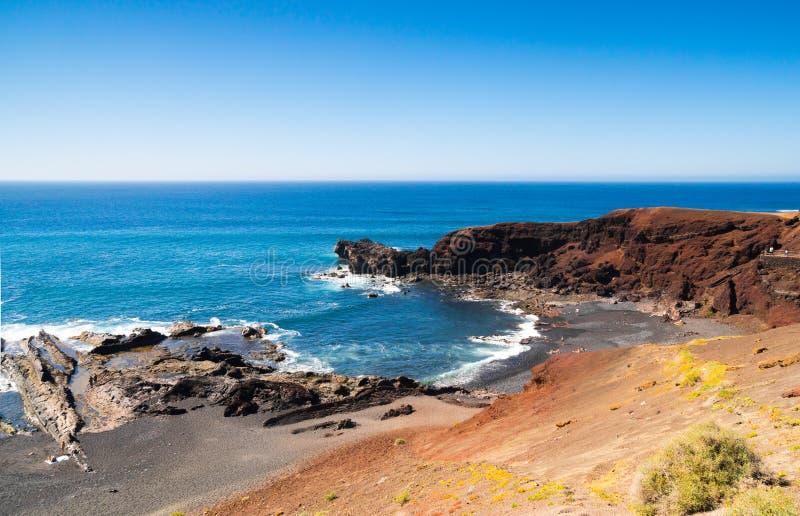 Ακτή παραλία Lanzarote, EL Golfo, Κανάρια νησιά στοκ φωτογραφία με δικαίωμα ελεύθερης χρήσης