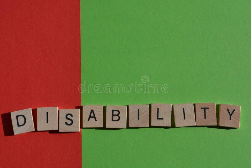Ανικανότητα, απομονωμένη λέξη στο κόκκινο και πράσινο υπόβαθρο στοκ φωτογραφία με δικαίωμα ελεύθερης χρήσης