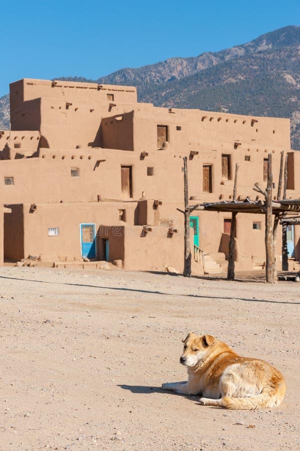 Αρχαίο Taos Pueblo στοκ φωτογραφία