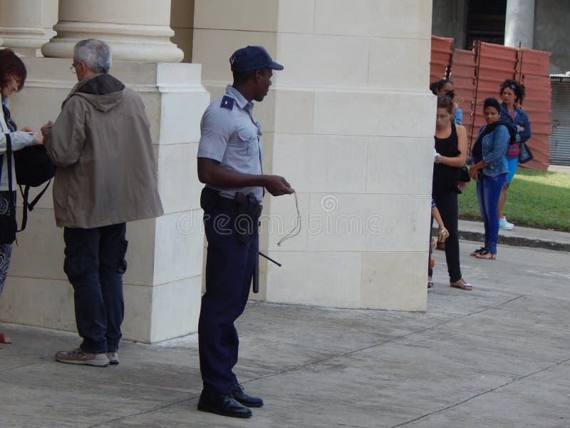 αστυνομικός Κούβα Αβάνα Τον Ιανουάριο του 2015 στοκ φωτογραφία
