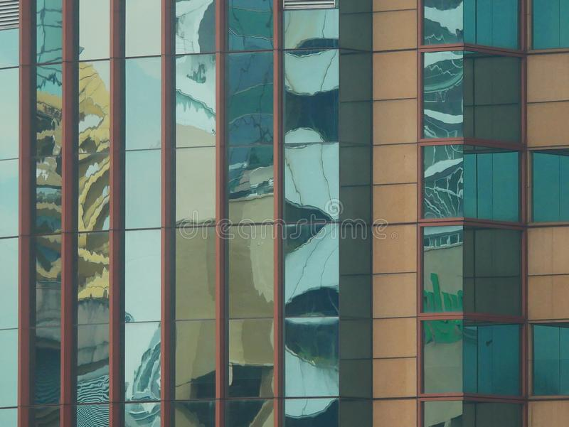 Αφηρημένες αντανακλάσεις των κτηρίων στοκ εικόνες