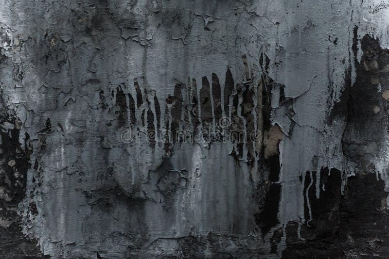 Αφηρημένο γκρίζο σχέδιο στο μαύρο υπόβαθρο με τους λεκέδες χρωμάτων Εκλεκτής ποιότητας χρωματισμένος υπόβαθρο τοίχος grunge, μεγά στοκ φωτογραφία με δικαίωμα ελεύθερης χρήσης
