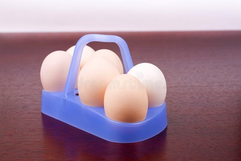 αυγά σε ένα ξύλινο υπόβαθρο στοκ φωτογραφία με δικαίωμα ελεύθερης χρήσης