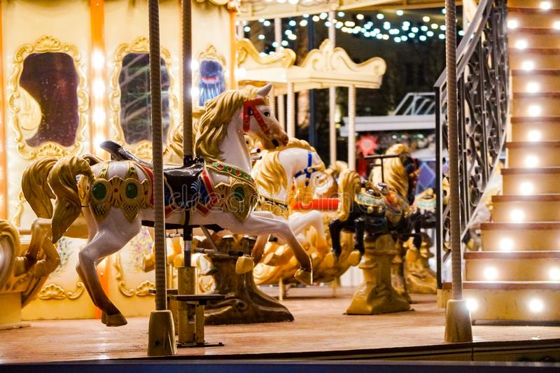 Αυθεντικό ιπποδρόμιο παιδιών, άλογα στοκ φωτογραφία