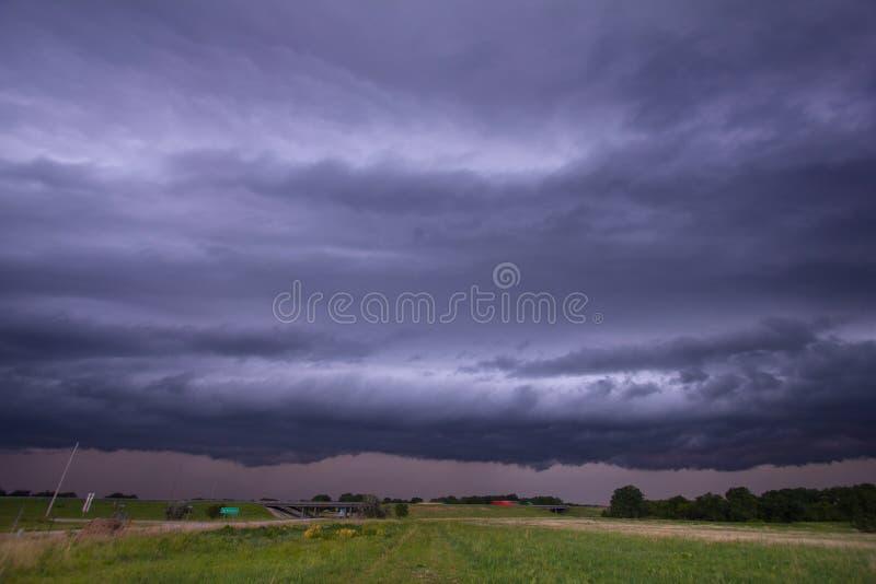 Αυστηρή καταιγίδα κοντά σε McPherson, Κάνσας στοκ εικόνες με δικαίωμα ελεύθερης χρήσης