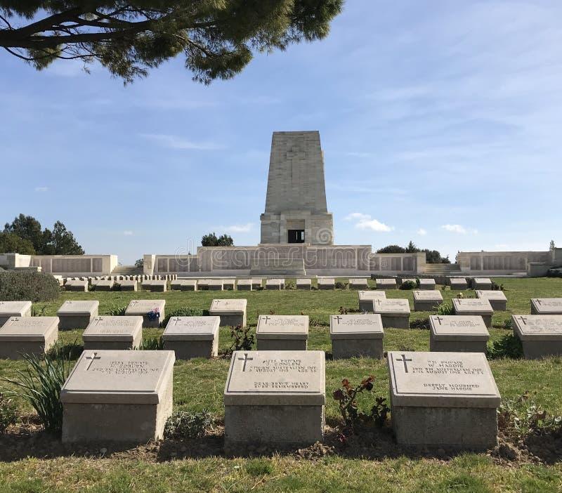 Απομονωμένα νεκροταφείο και Memoria πεύκων στοκ εικόνες