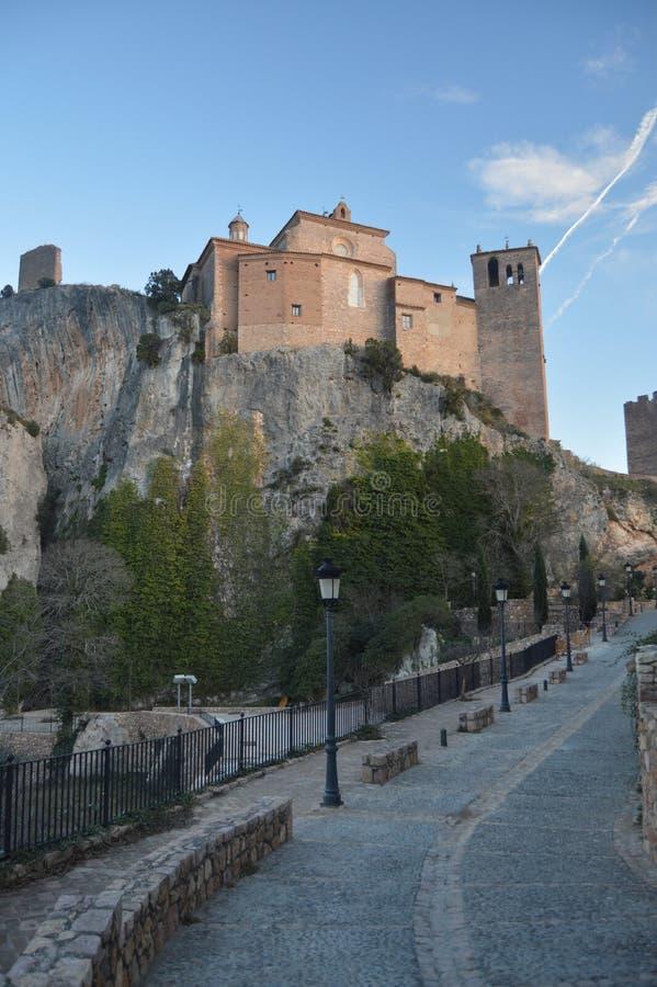 Απόψεις από το χαμηλότερο πίσω μέρος του του μεσαιωνικού Castle συλλογικού σε Alquezar Τοπία, φύση, ιστορία, αρχιτεκτονική Δεκέμβ στοκ εικόνες