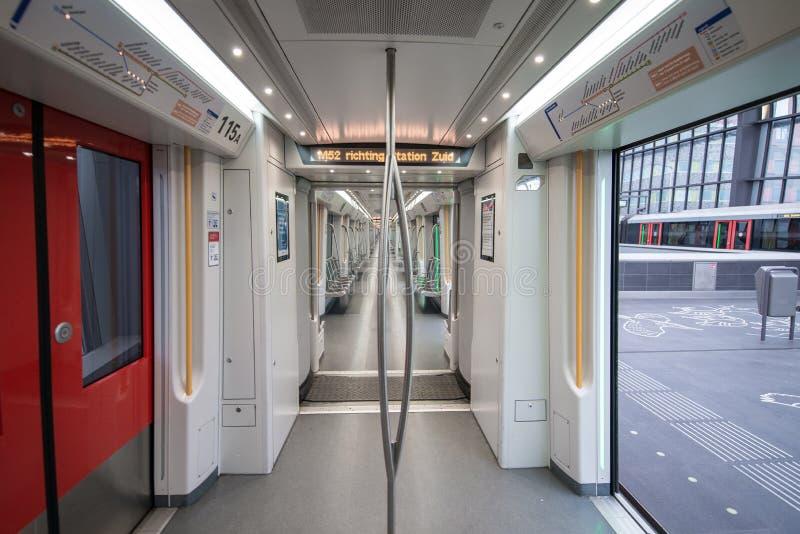 Βαγόνι εμπορευμάτων μετρό Emty, σταθμός Άμστερνταμ μετρό noord στοκ φωτογραφία