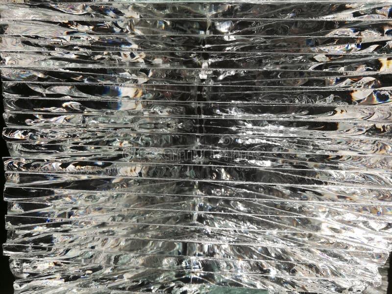 Βαλμένο σε στρώσεις γυαλί με το φως στοκ φωτογραφίες