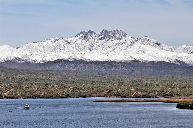 Βουνό τεσσάρων αιχμών μέσα, εθνικό δρυμός Tonto, Αριζόνα, Ηνωμένες Πολιτείες στοκ εικόνα