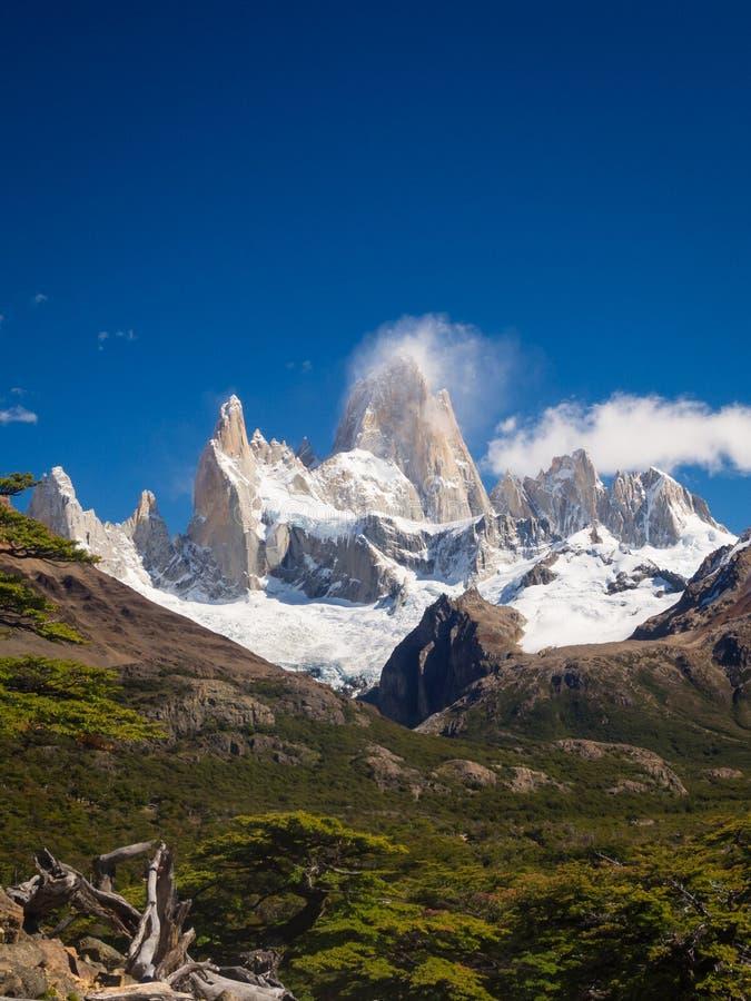 Βουνό της Fitz Roy κοντά στη EL Chalten, στη νότια Παταγωνία, στα σύνορα μεταξύ της Αργεντινής και της Χιλής στοκ φωτογραφία με δικαίωμα ελεύθερης χρήσης