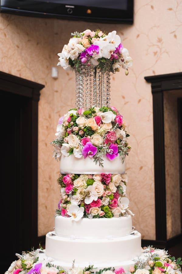 γάμος 8 πιτών Εύγευστος γλυκός μπουφές διακοπών με τα επιδόρπια στοκ εικόνα