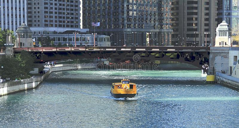 Γέφυρα λεωφόρων Wabash στο στο κέντρο της πόλης Σικάγο στοκ φωτογραφία με δικαίωμα ελεύθερης χρήσης