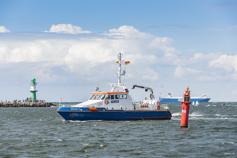 Γερμανικό σκάφος Granitz Warnemà ¼ αστυνομίας nde στοκ φωτογραφία